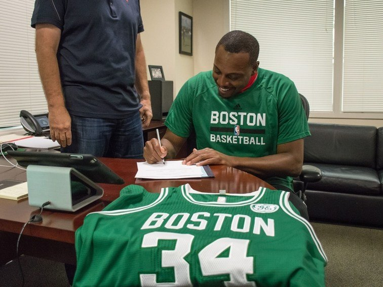 Celtics sign Paul Pierce so he can retire in Boston