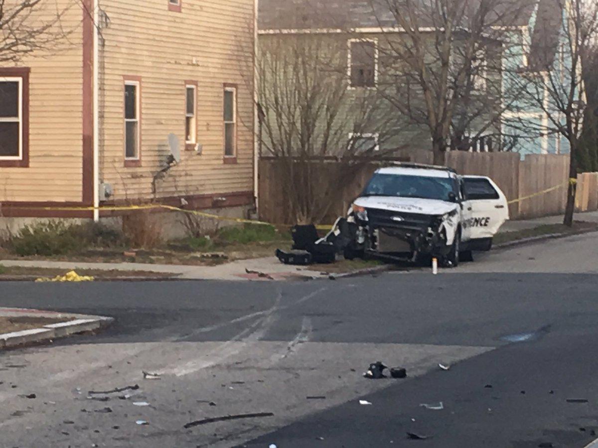 Police officer fatally shot while serving arrest warrant