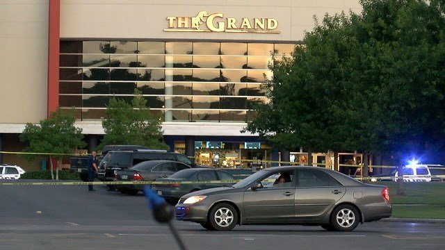 3 dead 7 hurt in lafayette movie theater shooting abc6