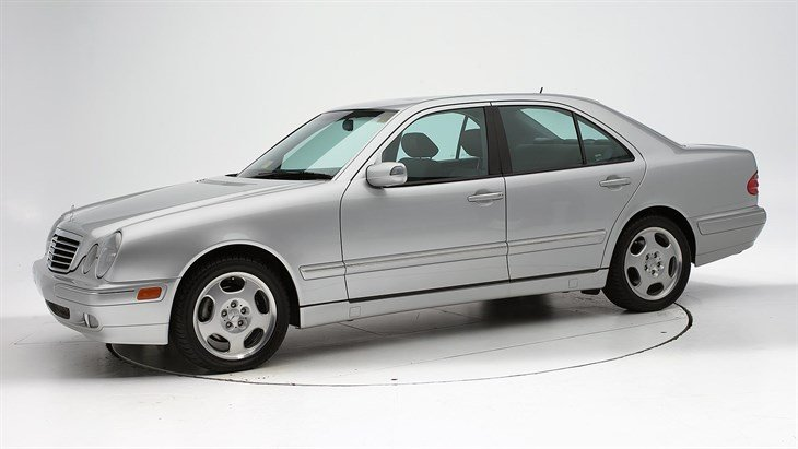 Pires' vehicle is described as a gray 2001 Mercedes with 4 doors