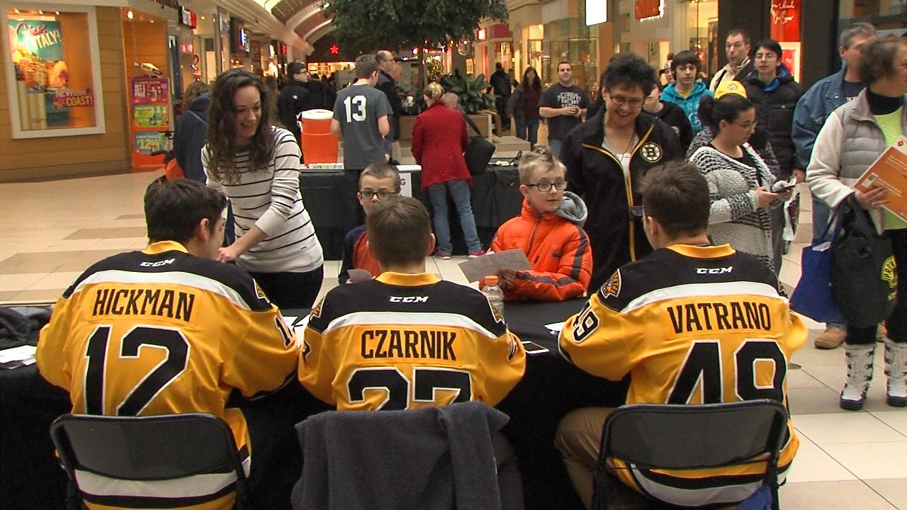 Trio Of P Bruins Meet And Greet The Fans At The Warwick Mall Abc6