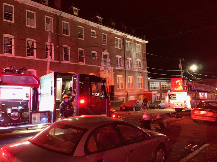Pd 2 Alarm Fire At Fall River Apartment Building Abc6